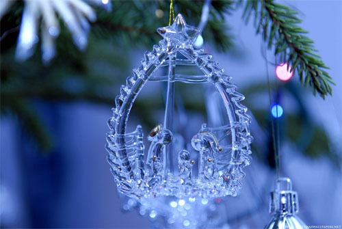 Wallpaper-christmas-ornament-blown-glass in Beautiful Christmas Pictures and Creative Christmas Designs
