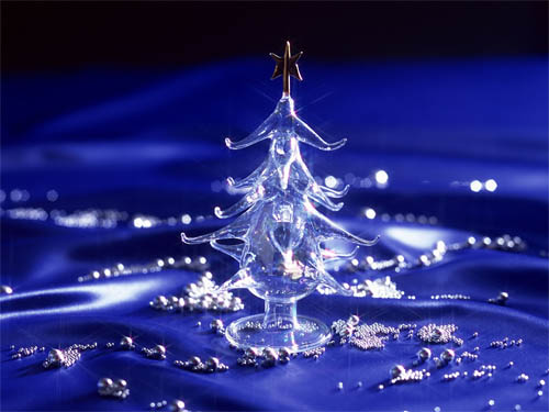 Wallpaper-christmas-tree-crystal-blue in Beautiful Christmas Pictures and Creative Christmas Designs