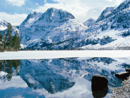 Wallpaper-landscape-winter-mountains-lake-reflection in Beautiful Christmas Pictures and Creative Christmas Designs
