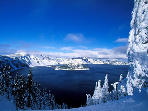 Wallpaper-winter-crater-lake in Beautiful Christmas Pictures and Creative Christmas Designs