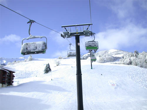 Wallpaper-winter-frozen-ski-lift in Beautiful Christmas Pictures and Creative Christmas Designs