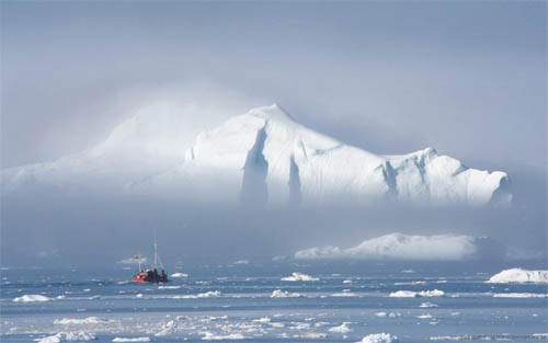 Wallpaper-winter-greenland-mystery in Beautiful Christmas Pictures and Creative Christmas Designs
