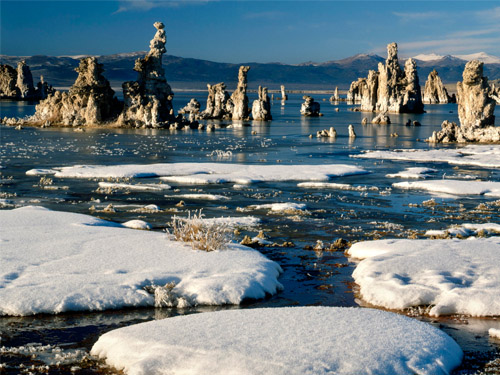 Wallpaper-winter-landscape-mono-lake in Beautiful Christmas Pictures and Creative Christmas Designs