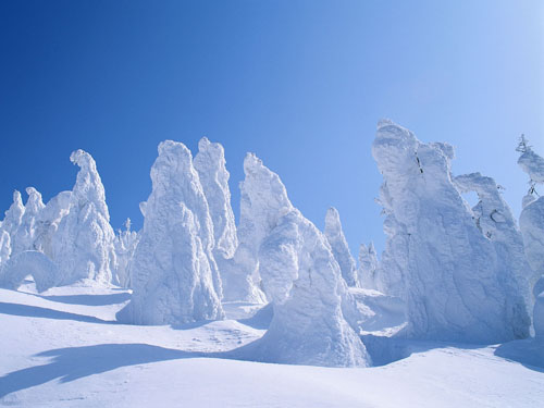 Wallpaper-winter-strange-snow in Beautiful Christmas Pictures and Creative Christmas Designs
