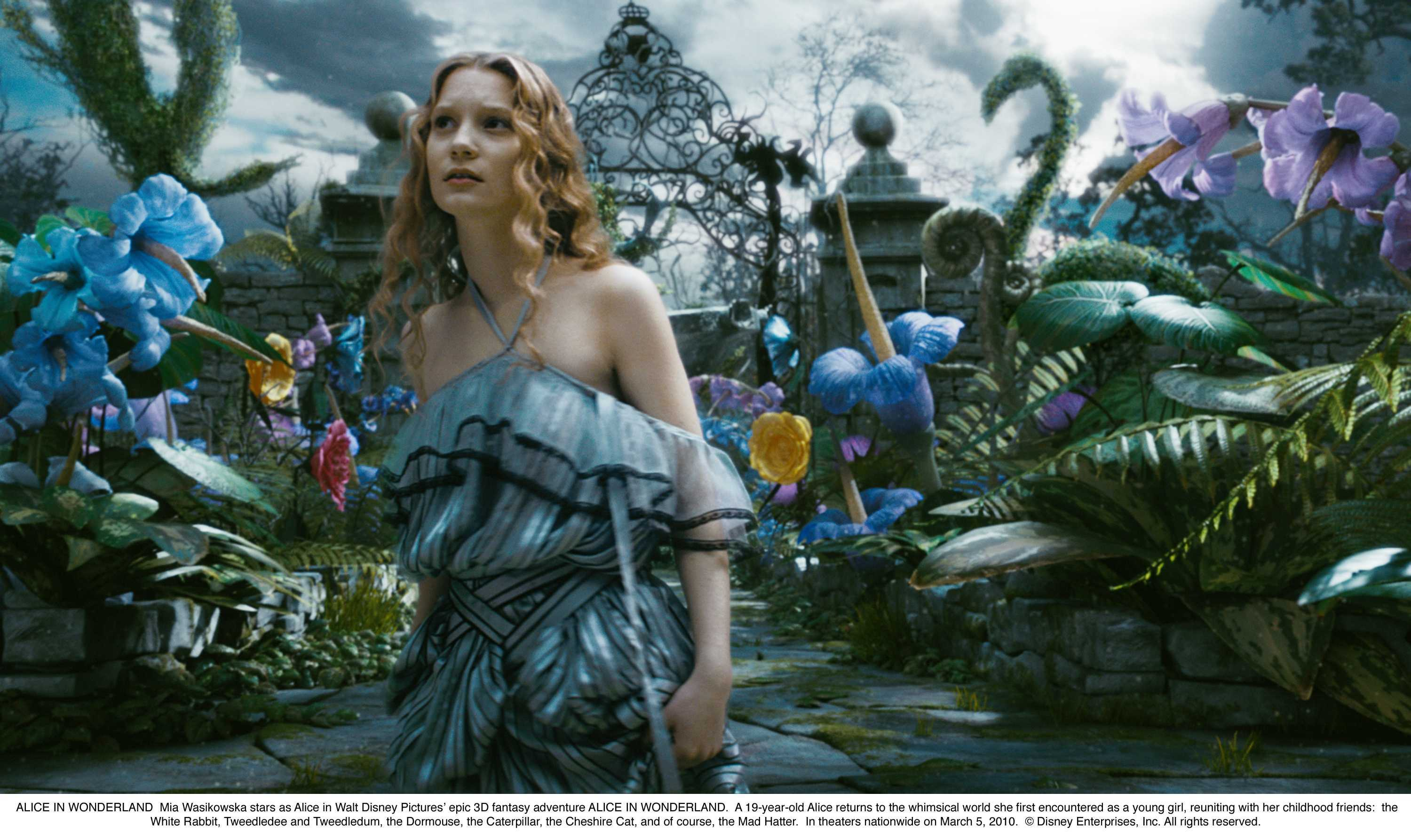 Mia Wasikowska Alice in Wonderland