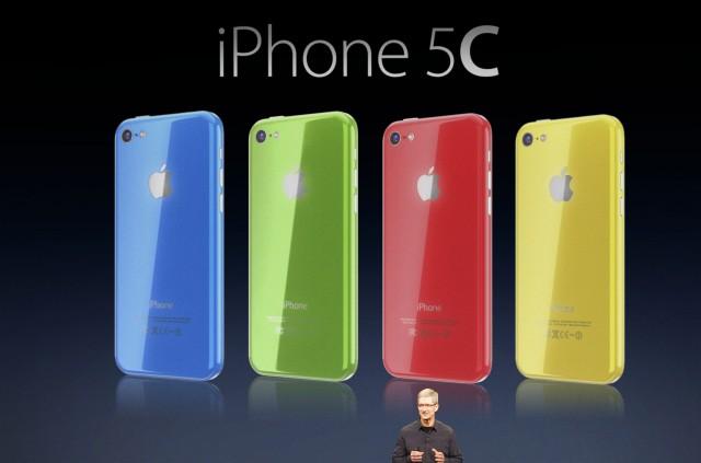 Tim Cook unveils iPhone 5C Martin Hajek